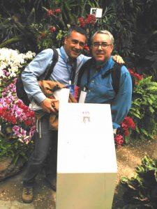 International Orchid Show 2016, Shanghai, medalla de Bronce, dch. Alex Sanchez, izq. Rubén Velázquez Marrero